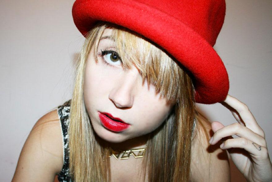Katia Chapeau melon rouge