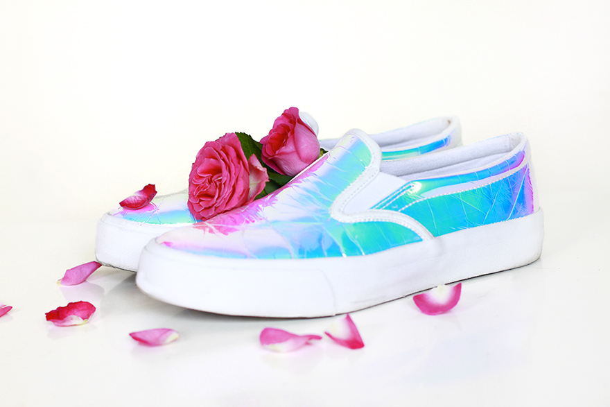 holographique slip ons asos