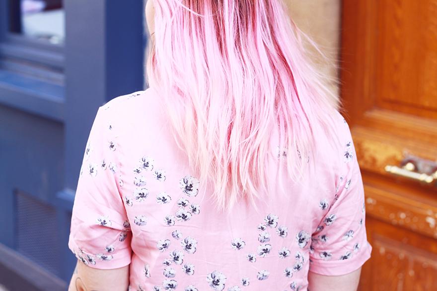 cheveux roses robe whitepepper