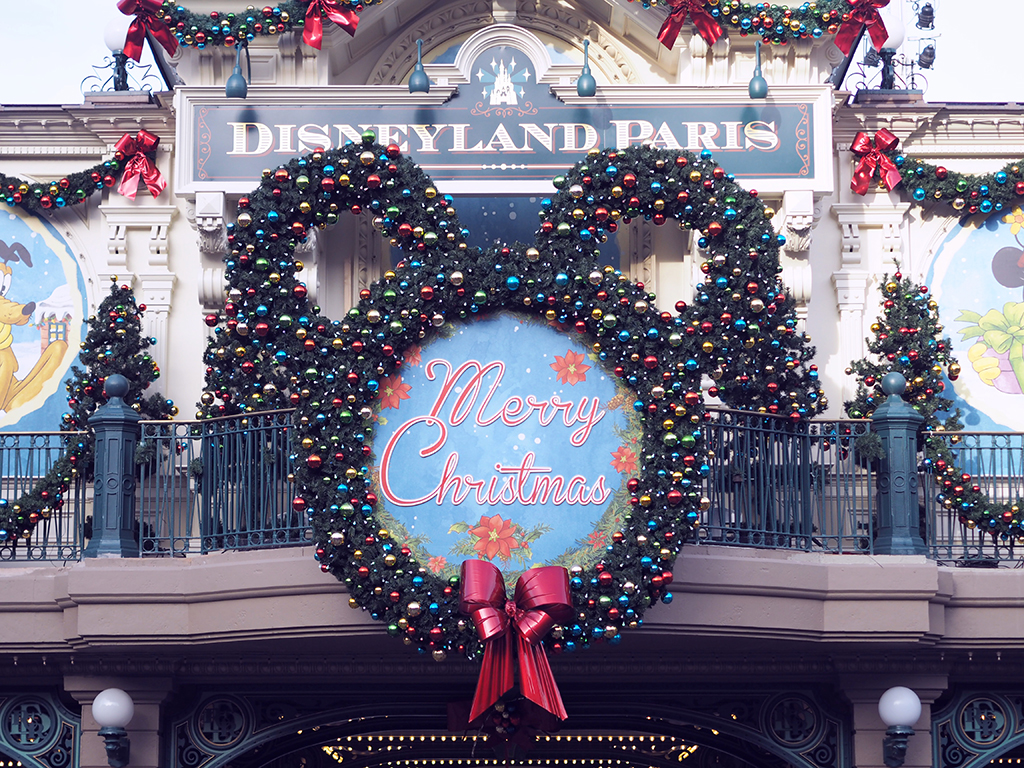 a day in disneyland paris and it 39 s lovely christmas. Black Bedroom Furniture Sets. Home Design Ideas