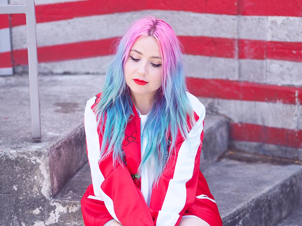 ebc161aa2 Fashion : The Nylon x Sanrio collaboration with an Hello Kitty look ...