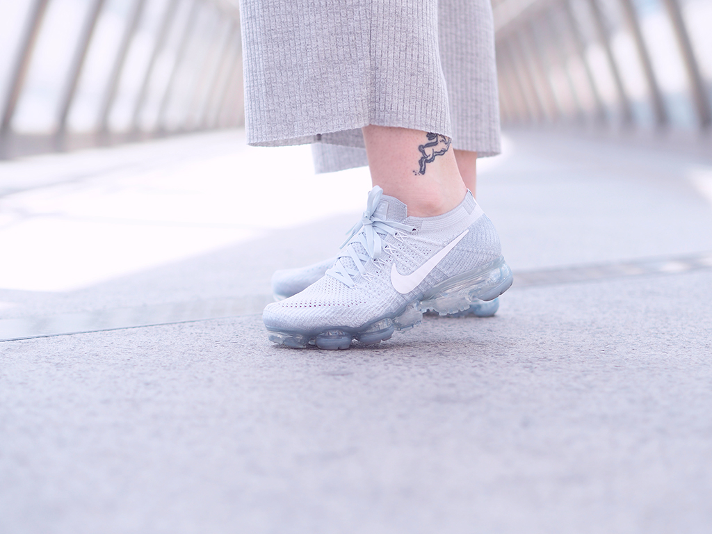 Fashion Grey Outfit Wearing The Vapor Max By Nike And